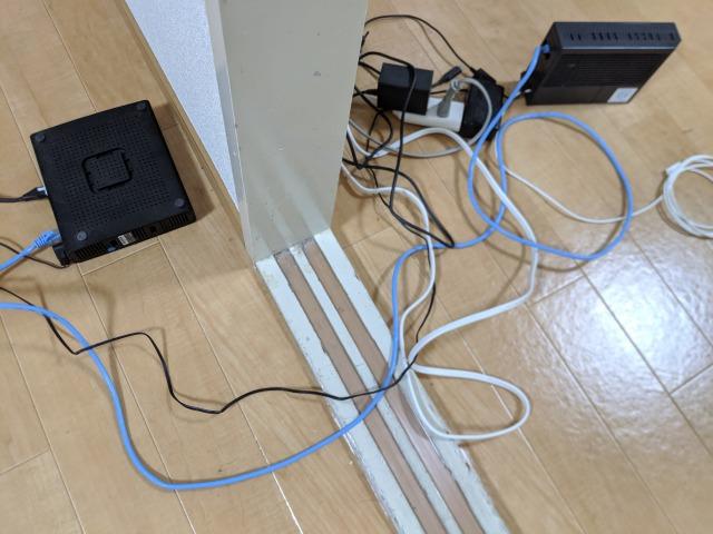 ソフトバンク光に乗り換えるデメリット:部屋がコードでごちゃごちゃする